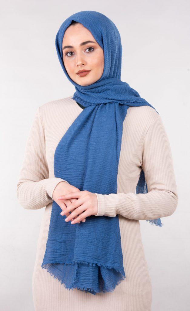 Tesettür şal tekstil fotoğraf çekimi